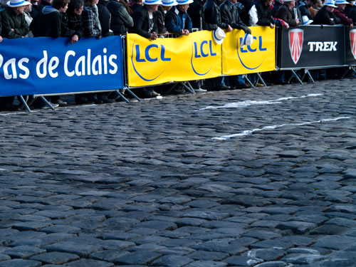 Pave at the start of the race