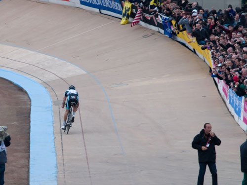 Tom Boonen entering the velodrome