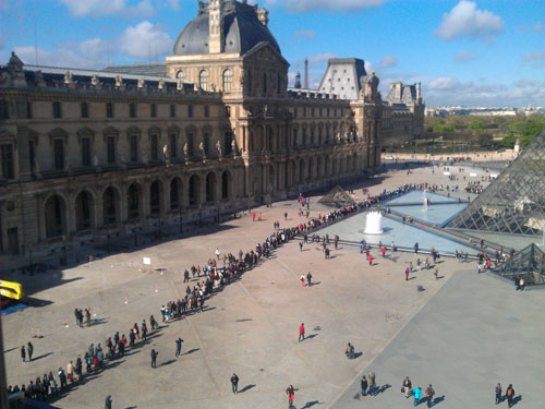 Queue to get into the Louvre